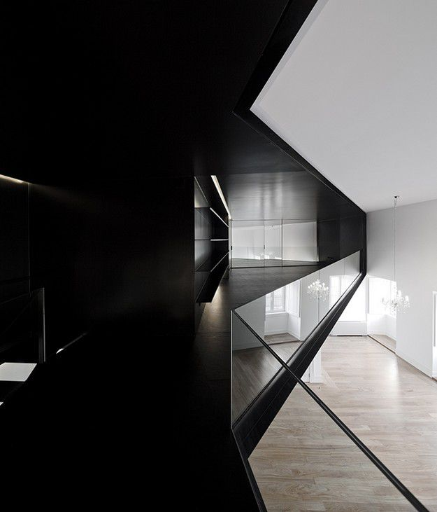 APARTMENT-IN-JUNQUEIRA-LISBON-BY-ASPA-ARCHITECTS-PORTUGAL--.jpg