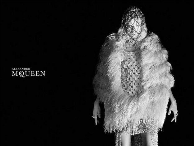 ALEXANDER-MCQUEEN-fall-winter-2013-AD-CAMPAIGN-PHOTOGRAPHY-.jpg
