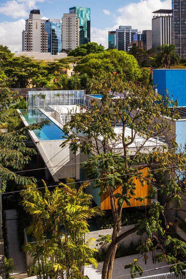 WEEKEND-HOUSE-BY-ANGELO-BUCCI--SPBR-ARCHITECS-IN-S-copie-1.jpg