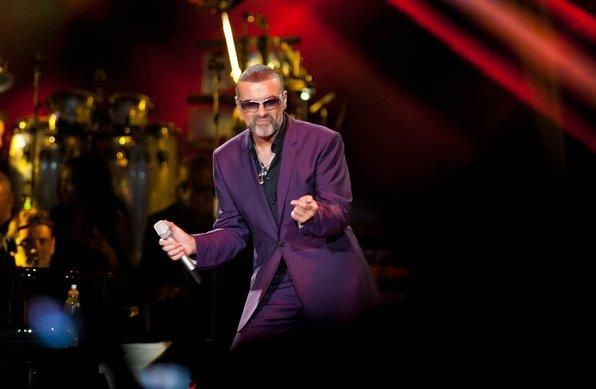 image-8-for-photo-gallery-george-michael-at-the-lg-arena-ga.jpg