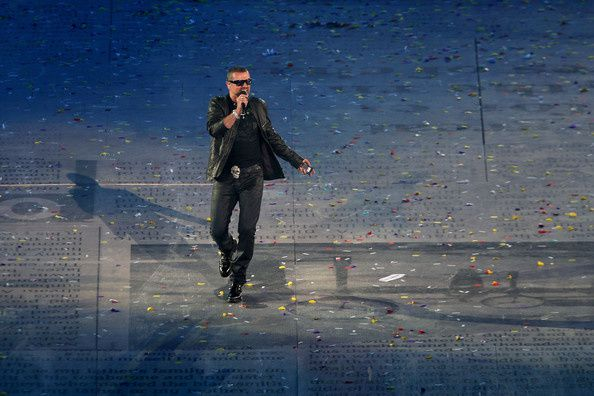 George-Michael-2012-Olympic-Games-Closing-ByprEUEMXcPl.jpg
