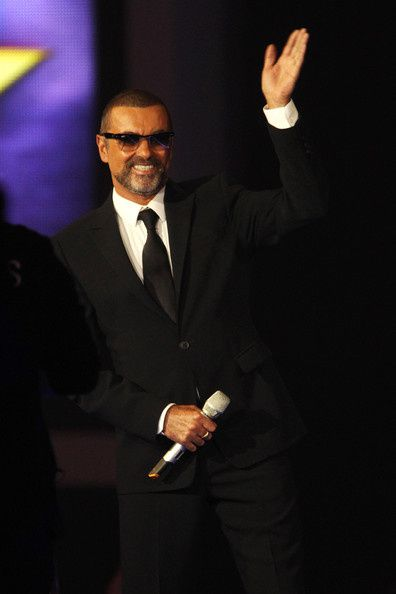 George-Michael-BRIT-Awards-2012-Show-epQ4t5KJK5Al.jpg