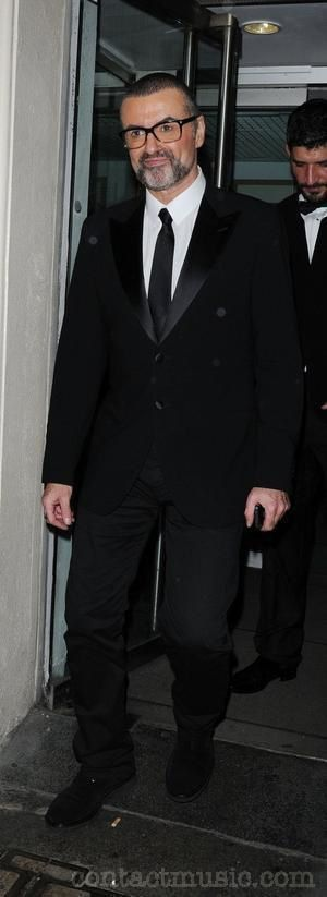 george-michael-leaving-the-royal-opera-house_3595985.jpg
