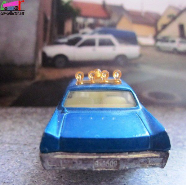 plymouth-fury-police-majorette-ref-216 (1)