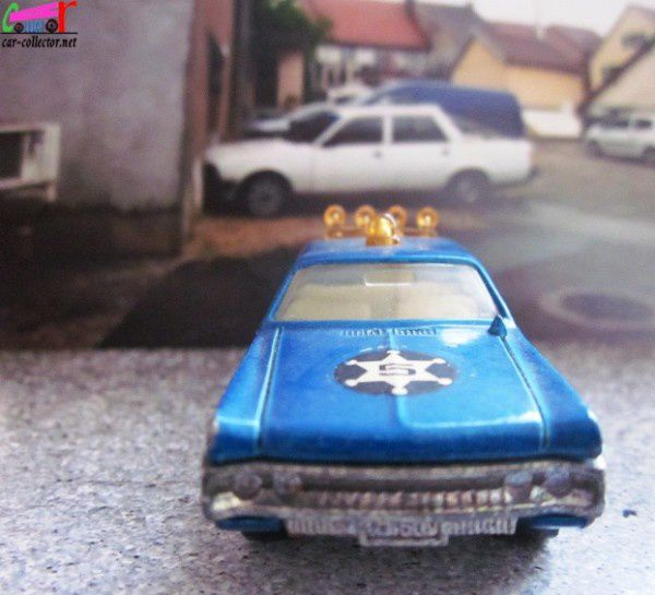 plymouth-fury-police-majorette-ref-216 (3)
