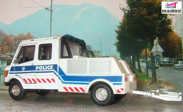 camion-mercedes-t1-police-hongwell