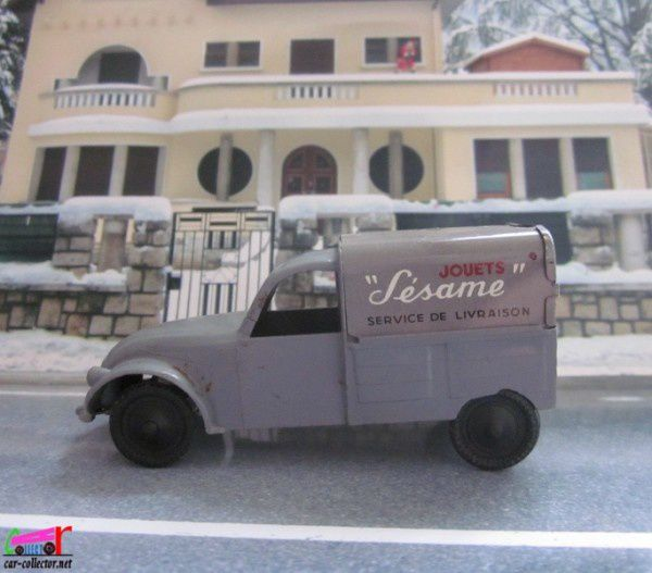 citroen 2cv azu sesame moteur a friction service de livraison 1 43 car. Black Bedroom Furniture Sets. Home Design Ideas