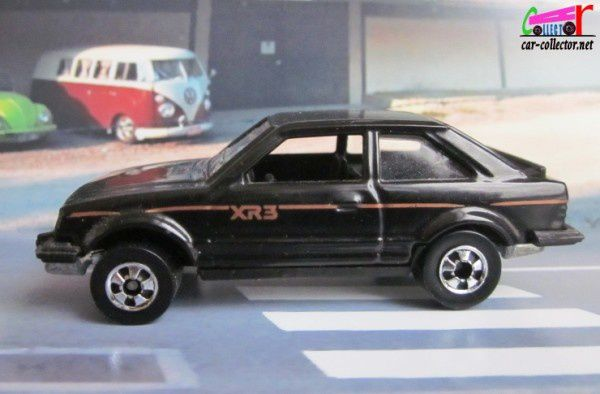 ford-escort-xr3-black-hot-wheels-made-in-france (1)