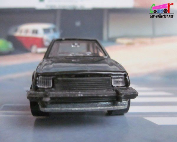 ford-escort-xr3-black-hot-wheels-made-in-france (3)