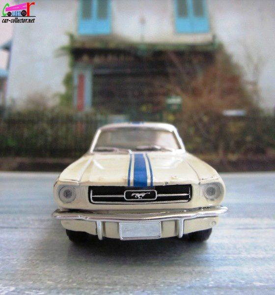 ford-mustang-1965-solido