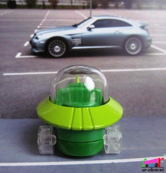 the-jetsons-capsule-car-2014.090 (1)