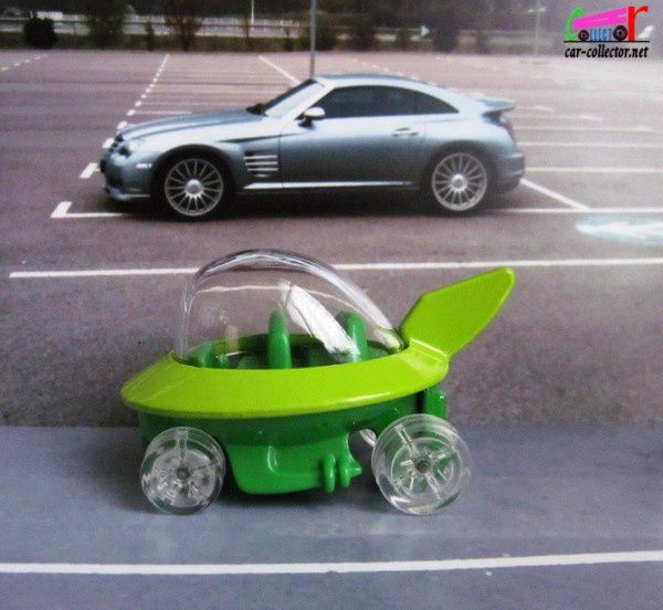 the-jetsons-capsule-car-2014.090