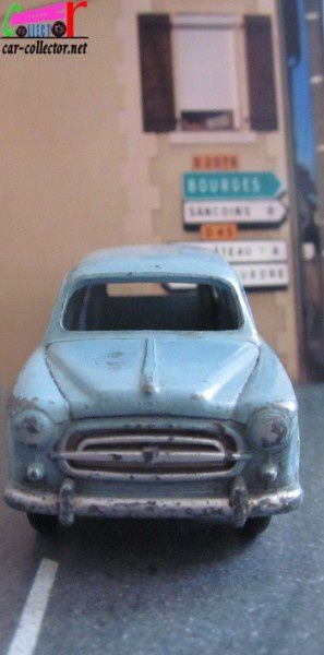 peugeot-403-familiale-dinky-toys-meccano-france (1)