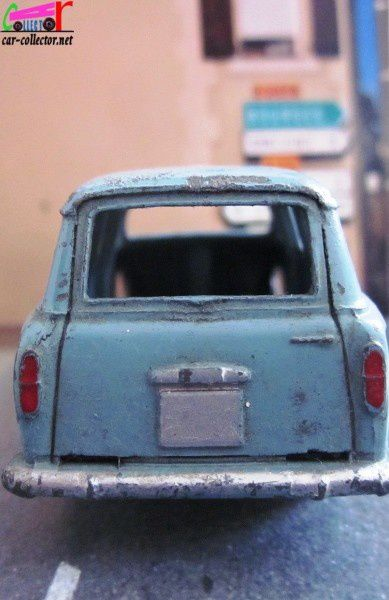 peugeot-403-familiale-dinky-toys-meccano-france (3)