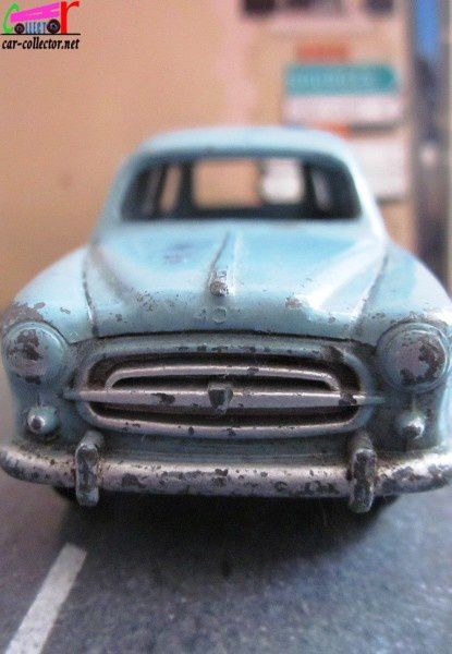 peugeot-403-familiale-dinky-toys-meccano-france