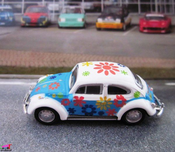 vw-cox-hippies-high-speed-baba-cool-cox-love-and-peace (1)