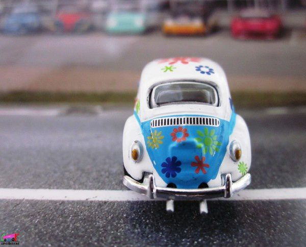 vw-cox-hippies-high-speed-baba-cool-cox-love-and-peace