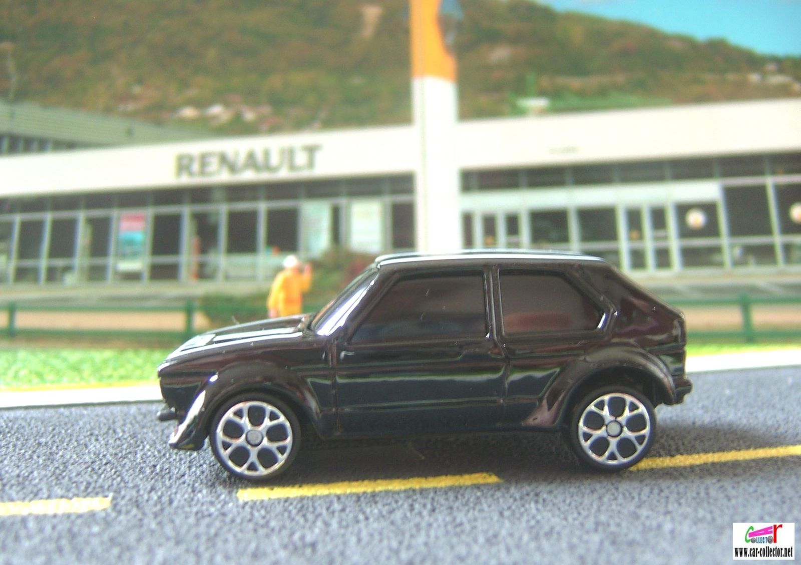 VOLKSWAGEN GOLF GTI MAISTO 3 INCHES