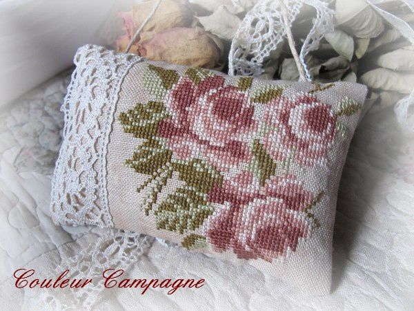 coussin rose 2