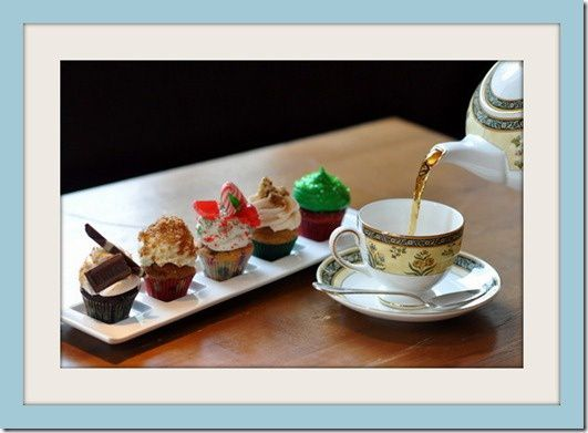 Holiday-Cupcake-Tea-pouring_large-001