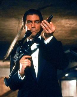 Timothy-Dalton-James-Bond-007.jpg