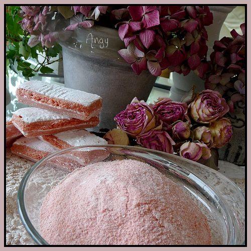 poudre de biscuits roses