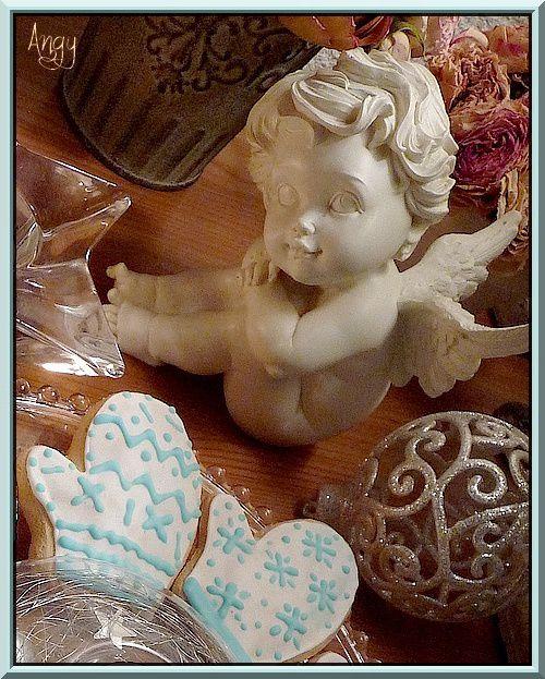 Biscuits de Noël moufles décorées...