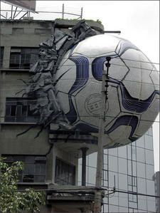 Ooops ! - Quand le foot nous tuera tous...