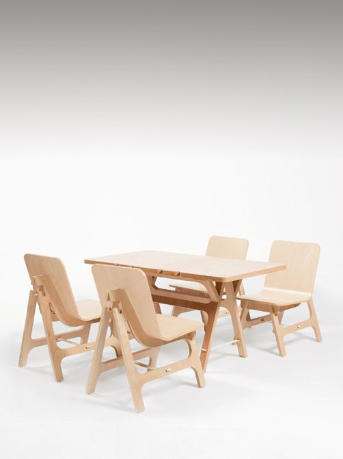 moustache matali crasset instant table and 4 instant seats