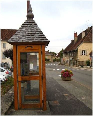 14Poligny-cabine-en-bois.jpg