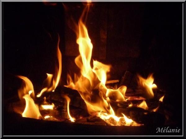 Feu de chemin e ma petite vie mes amis mes amours mes emmerdes - Image feu de cheminee ...