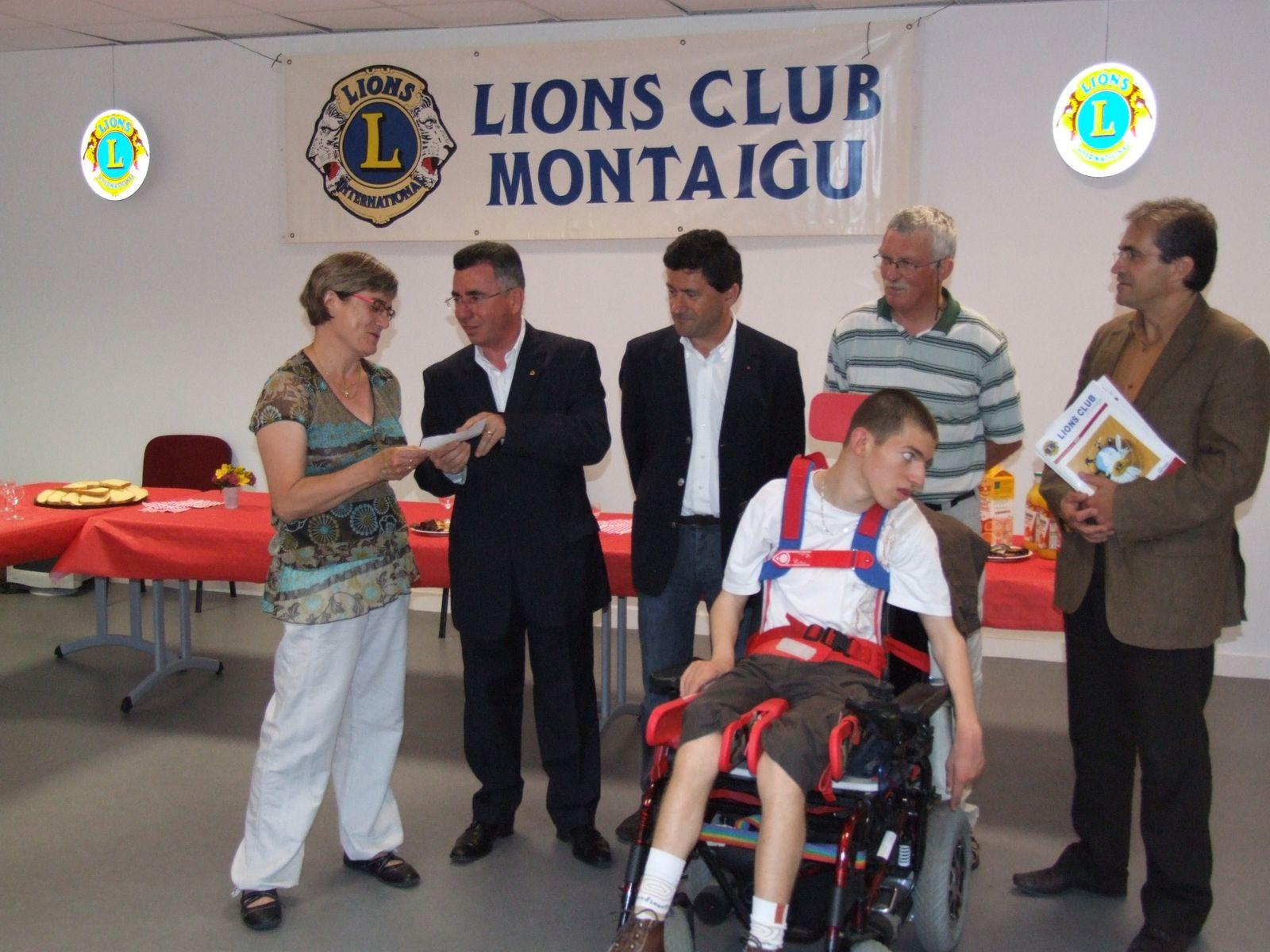 2009-Don-de-3.800---pour-l-IME-de-Montaigu