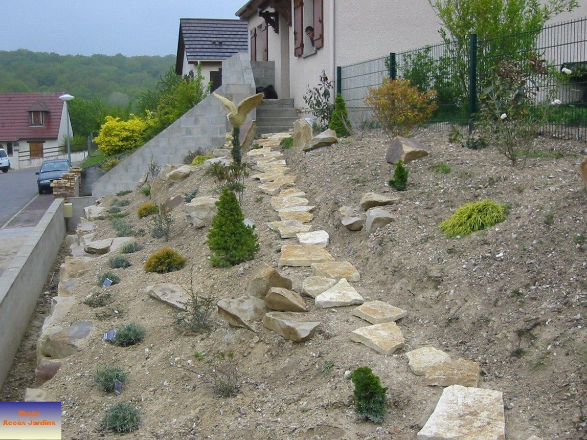 Am nagement terrain en pente zy sur eure jardins for Amenager son jardin en pente