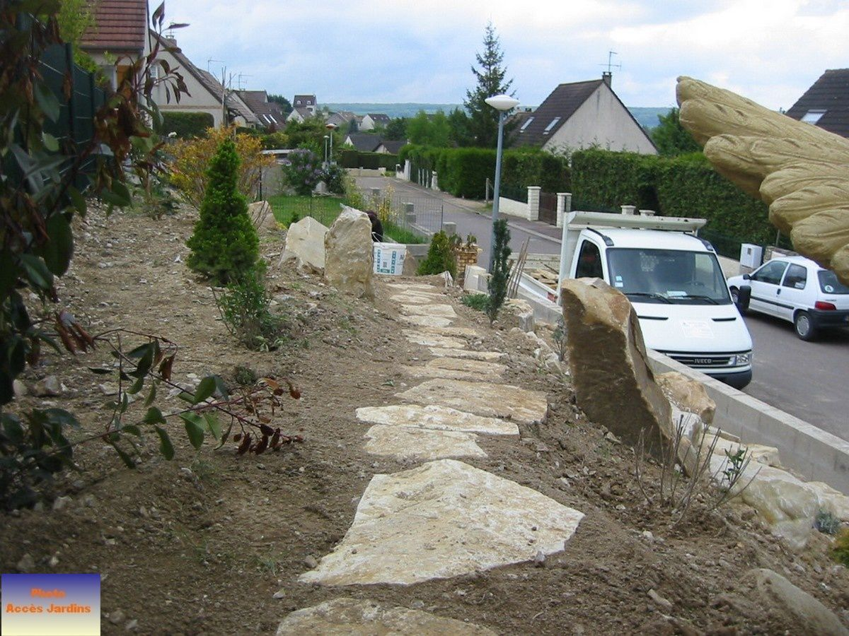 Plantations jardin paysagiste conception cr ation for Amenagement talus jardin