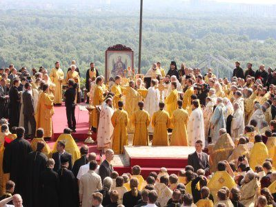 Pan-Orthodox-Hierarchical-Divine-Liturgy-at-the-Hill-of-St-jpg