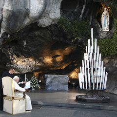 Jean-Paul-II--Lourdes--15-Aout-2004--parousie.over-blog.fr.jpg