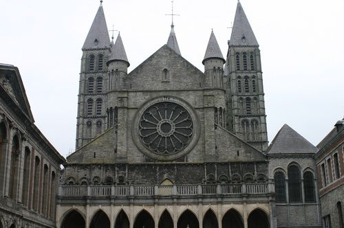 Cathedrale-Notre-Dame-Tournai-parousie.over-blog.fr.jpg