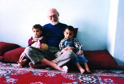 Frere-Serge-de-Beaurecueil-en-Afghanistan-en-1992--3---par.JPG