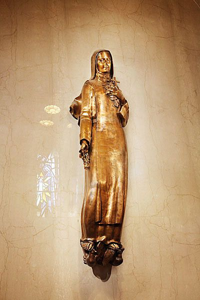 St-Therese-of-Lisieux--Basilica-of-the-National-Shrine-of-t.jpg