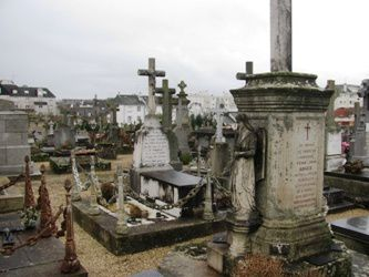 Tombe-Pierre-Rene-Rogue-a-Vannes--parousie.over-blog.fr.jpg