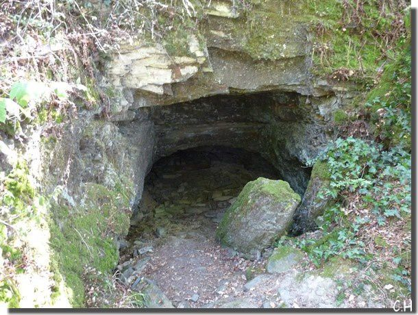 Hermitage-Boeuvres-Aout-2013--Grotte-exterieure.jpg