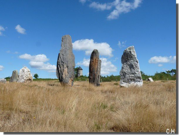 St-Just--Aout-2013-M--2.jpg-Moulin--Menhirs.jpg