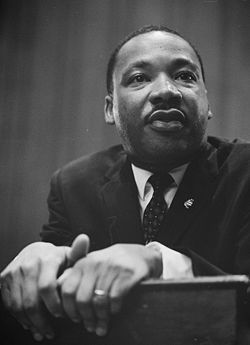 250px-Martin-Luther-King-1964-leaning-on-a-lectern.jpg