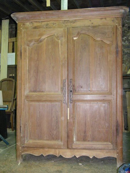 Armoire louis xv d 39 poque meuble r gional atelier de l for Moderniser un meuble en chene