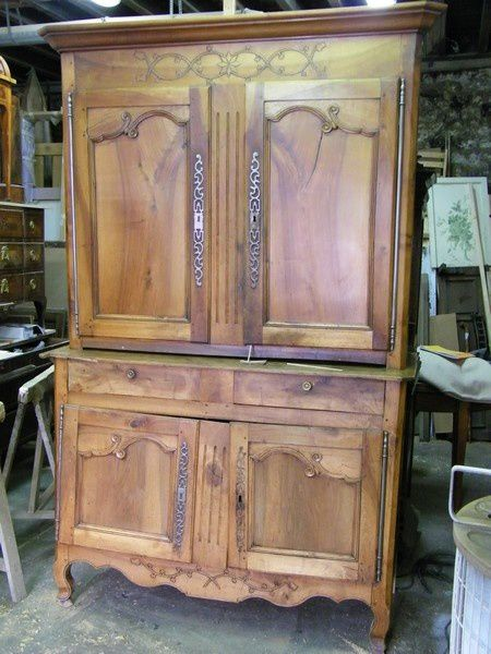 buffet ancien en noyer restaurer chez l 39 b niste atelier de l 39 b niste c cognard eure. Black Bedroom Furniture Sets. Home Design Ideas