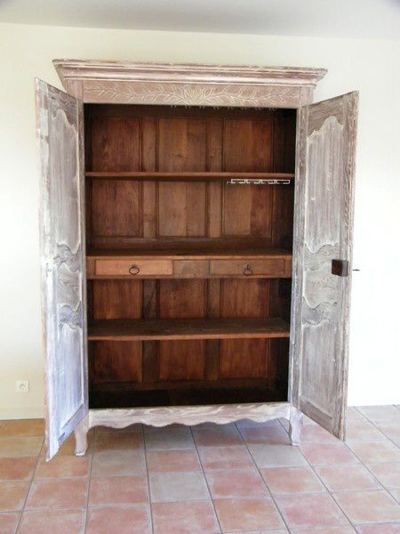 armoire ancienne revisit e avec une c ruse atelier de l. Black Bedroom Furniture Sets. Home Design Ideas