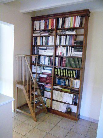 escalier bibliotheque montrond les bains