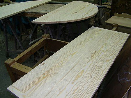 Fabrication D Une Table Ronde Avec Son Pied Central En Pin