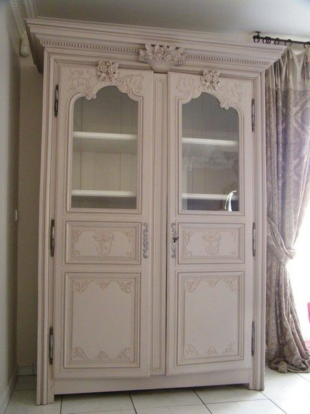 trendy armoire ancienne modernise with meuble ancien peint en noir. Black Bedroom Furniture Sets. Home Design Ideas