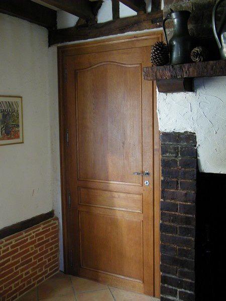 Des portes ch ne d 39 int rieur en fabrication atelier de for Fabricant de porte interieur